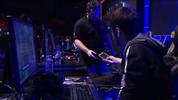 INTZ esports having mobile phones taken away during finals at IWCI Istanbul