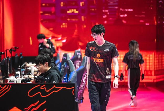 TES Karsa in the Semifinals of Worlds 2020
